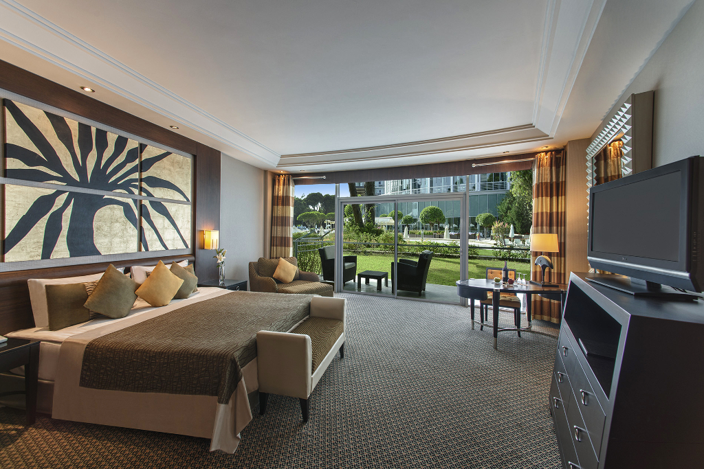 Calista luxury room