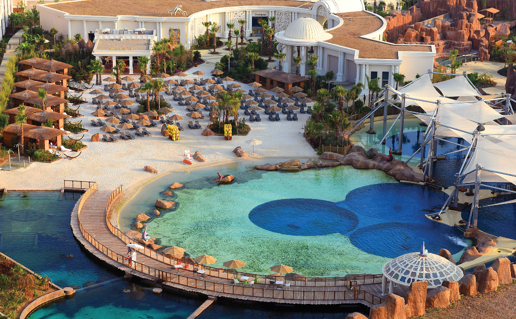 Rixos Land Of Legend pool